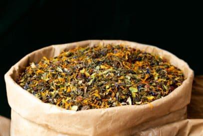 Kwik Kratom (Kwik Botanicals) sells crushed tea leaves.